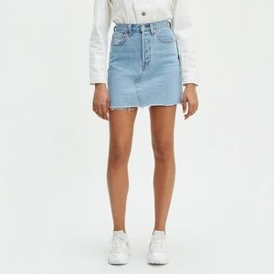 LEVI'S Embroidered High Rise Deconstructed Skirt